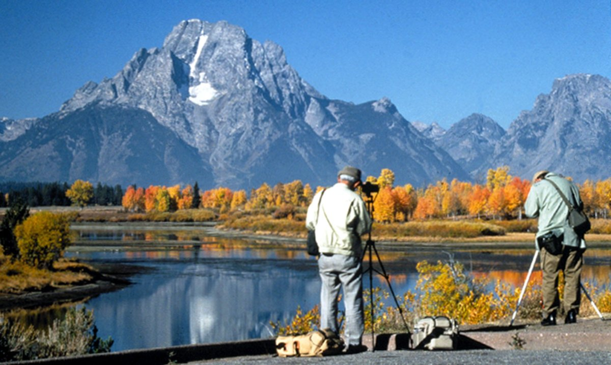 Photographers at Oxbow Bend in Grand Teton NP-NPS.jpg