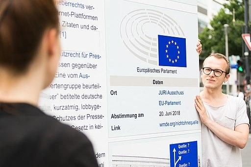 Straßenaktion gegen die Einführung eines europäischen Leistungsschutzrechts für Presseverleger 26