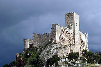 Castillo de Almansa sobre el cerro del Aguila.jpg