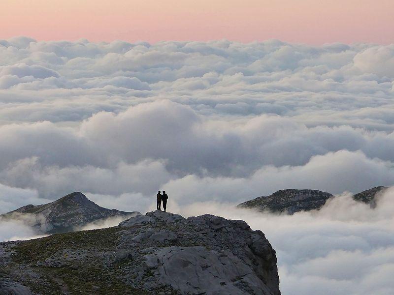 Archivo:Clouddreamers.jpg