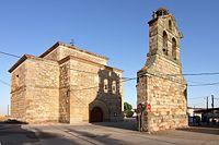 Pelabravo, Espadaña e Iglesia de San Juan Bautista.jpg